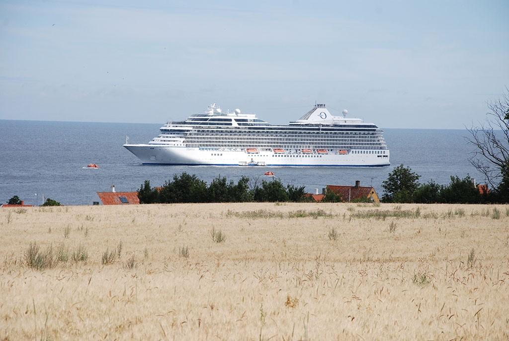 Krydstogtskib i Svaneke
